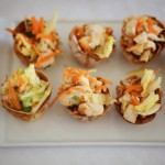 Finger food: Thai chicken salad in crispy wonton cups