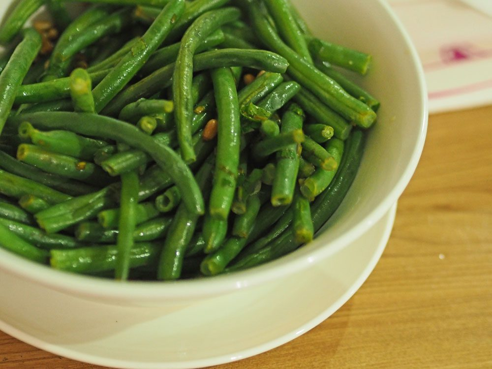 Green breans with lemon and herbs