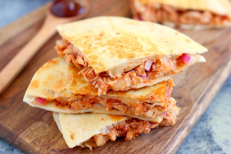29 EASY DINNER IDEAS: USING BBQ CHICKEN