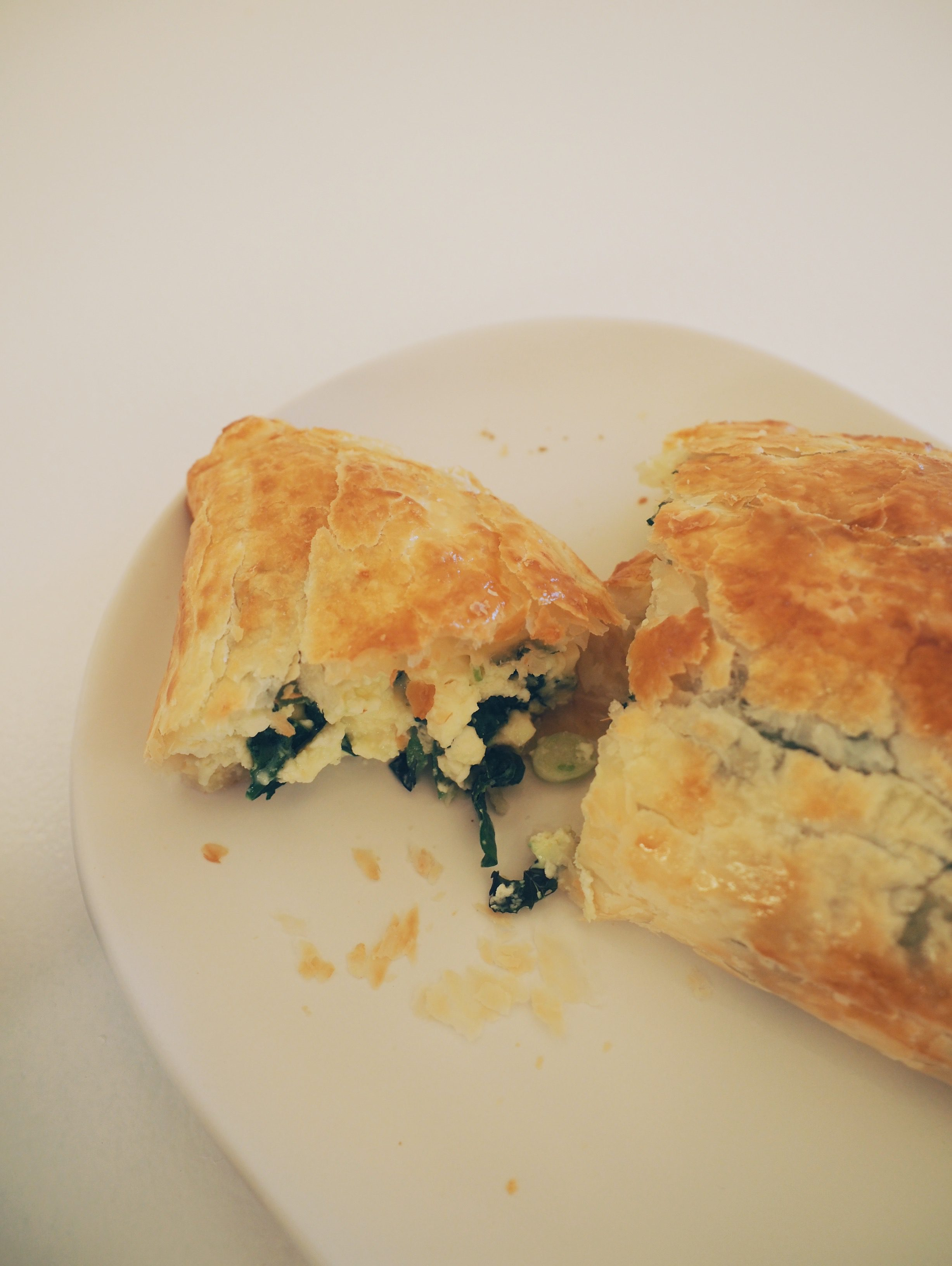 Wondering what to cook for dinner tonight? Quick and Easy Spinach & Fetta Pie Recipe is it! Get the recipe here...