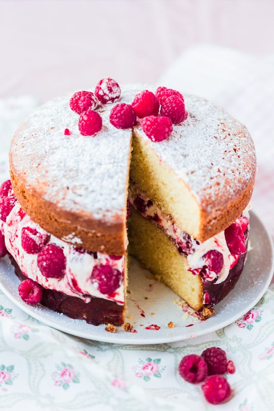 Oh yum! Got your Thermomix and ready to get baking? Here's 10 awesome Thermomix cake recipes to try. This is a stunning Thermomix Raspberry Victoria Sponge Cake by the Thermomix Baking Blogger. Grab the recipe now...