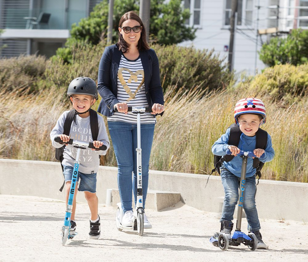 Mum-scooting-with-the-kids