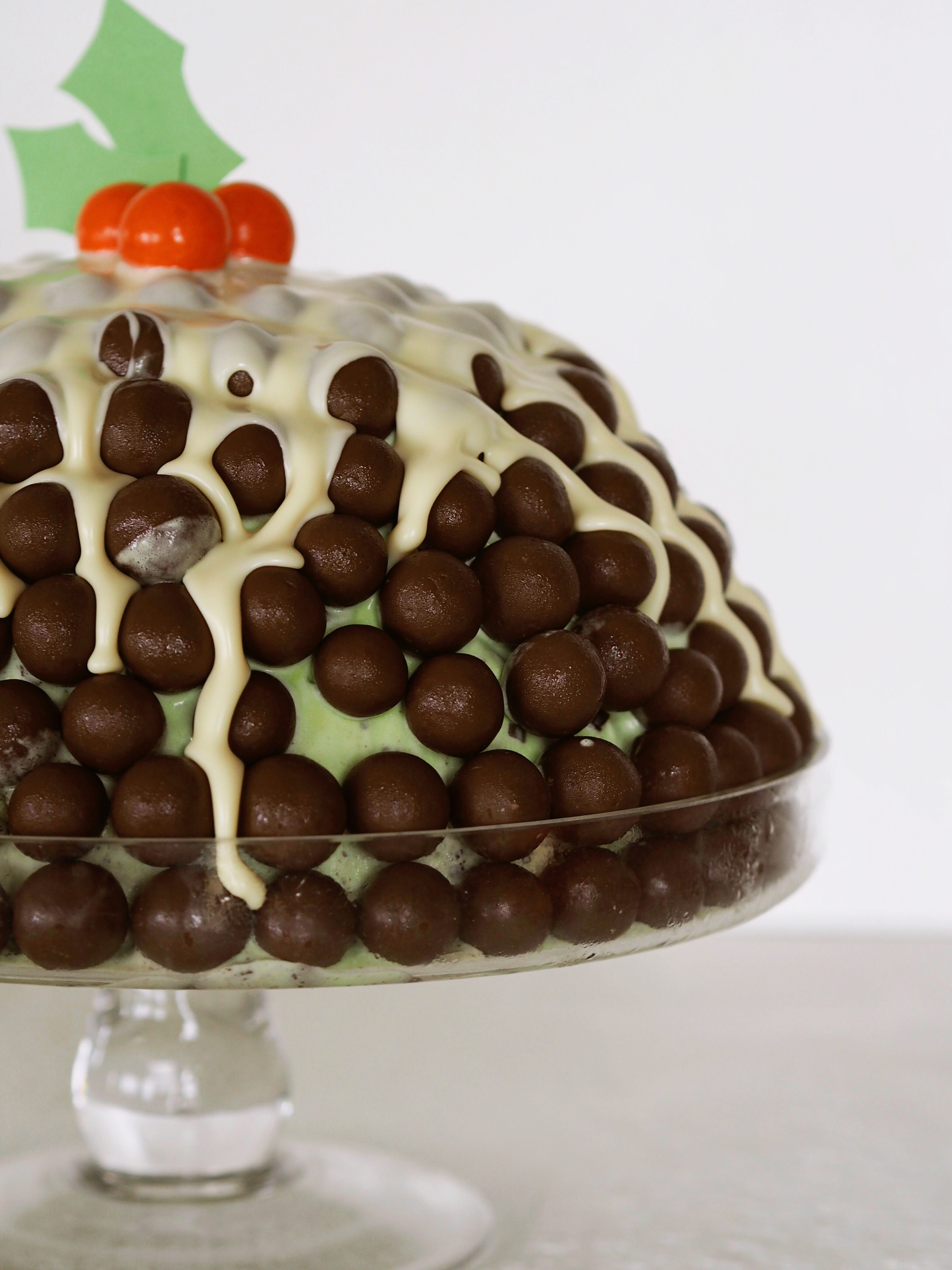 Malteser Ice Cream Christmas Cake