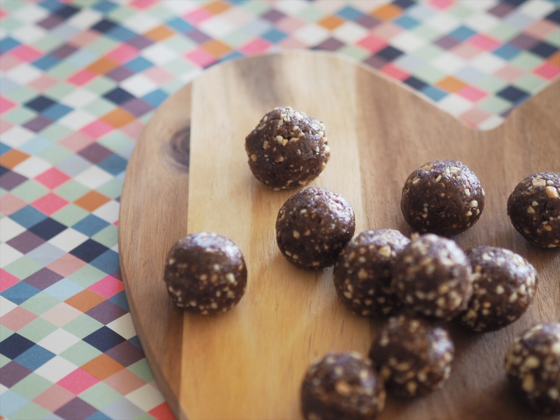 Healthy Jaffa Bliss Balls Recipe